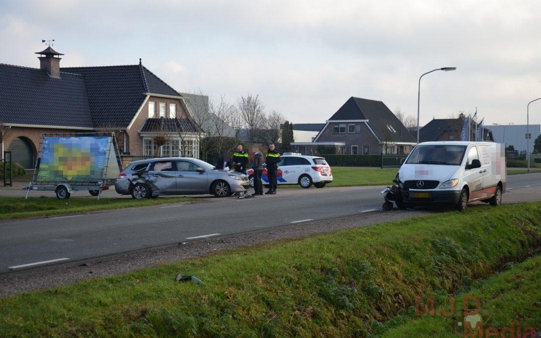 Veel schade na ongeval Veenstraat