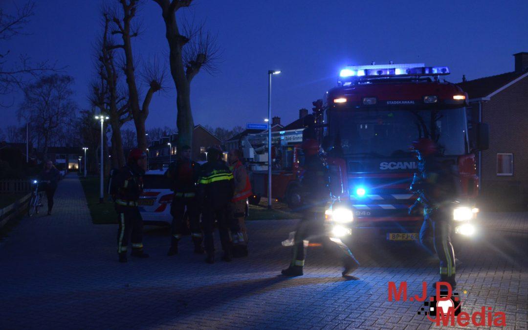 Brandweer rukt uit voor woningbrand; bewoners weten van niks