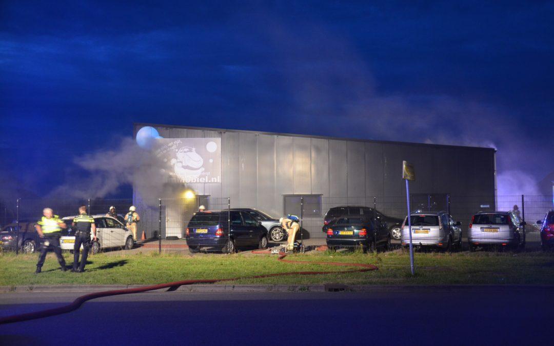 Grote brand bij autopoetsbedrijf