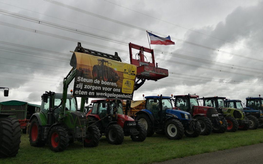 Boeren protesteren langs N366 bij Stadskanaal